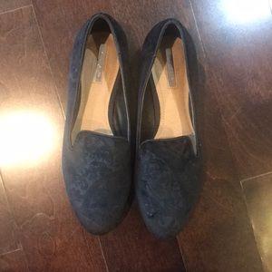 Tahari black loafers